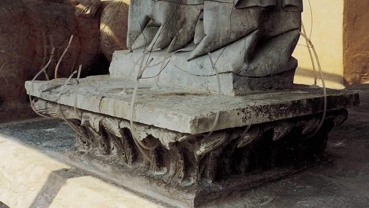 Consolidamento base statua di S. Omobono, loggetta a 22 mt dal suolo