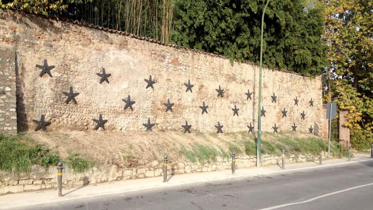 Consolidamento muro mediante chiodature e piastre zincate a stella - CASTIGLIONE DELLE STIVIERE (MN)