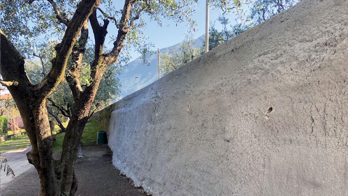 Consolidamento murario mediante chiodi, rete elettrosaldata e spritz beton - SALE MARASINO (BS)