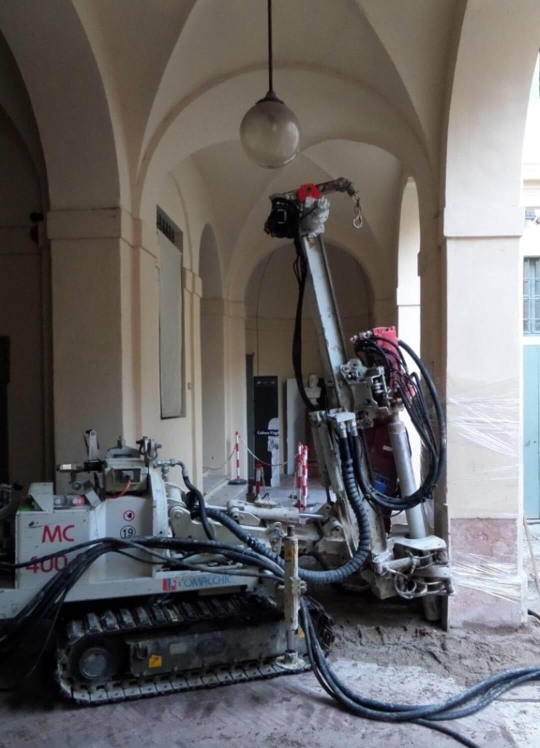 Consolidamento fondazionale presso Palazzo dell'Accademia - MANTOVA