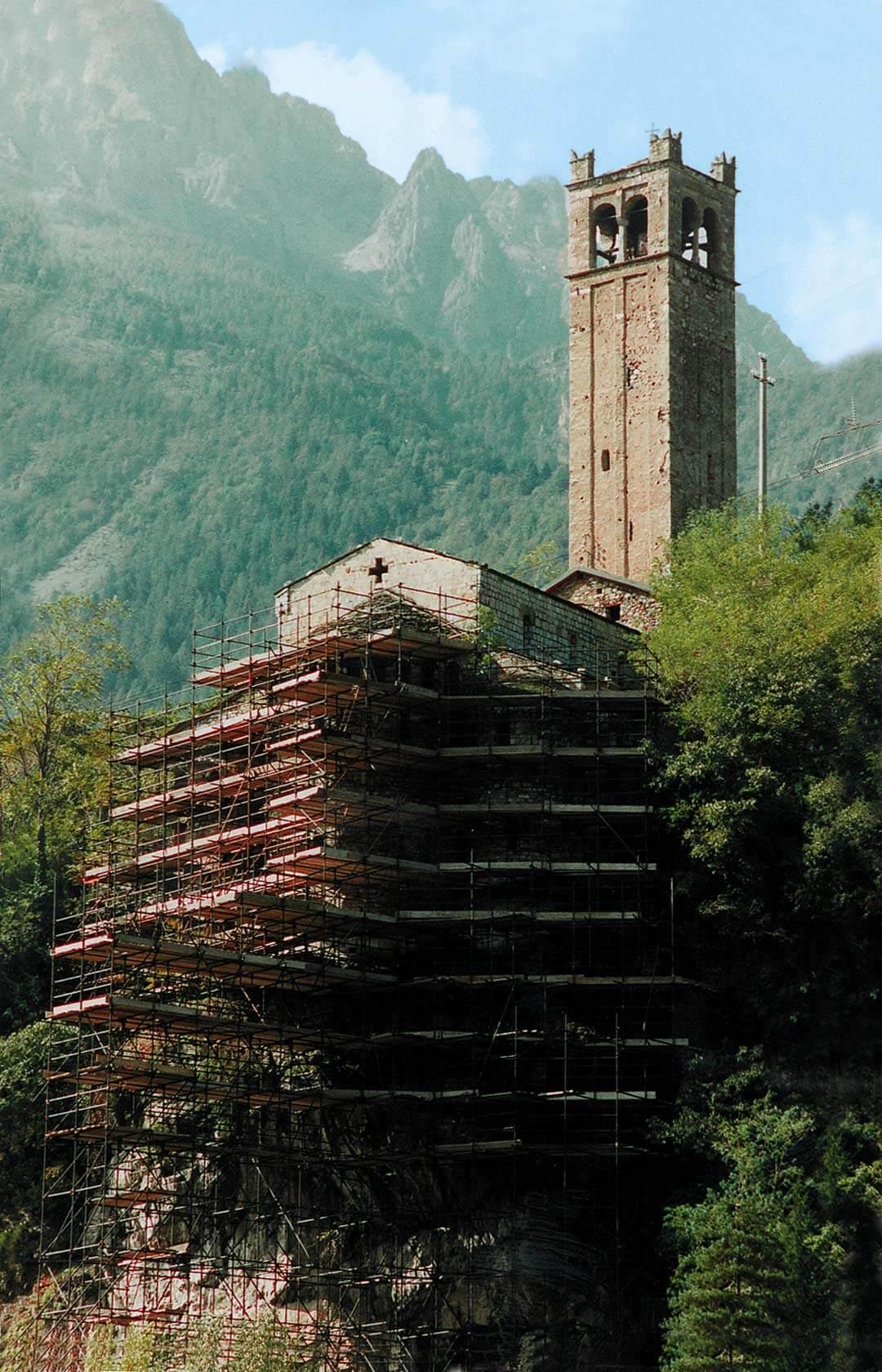 Consolidamento della rupe e delle pareti absidali